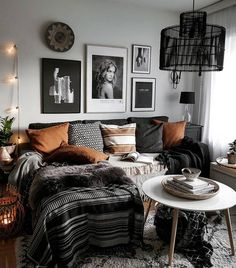 moderne Boho Wohnzimmer modern boho living room Boho Meets Nordic Style in a Bold New Jersey HomeModern cozy living room Small Living Room Furniture, Boho Living Room, Cozy Living Rooms, Apartment Living, Home And Living, Bright Apartment, Apartment Interior, Interior Doors, Interior Paint