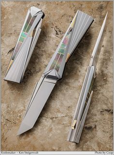 Pretty Knives, Cool Knives, Knives And Tools, Damascus Blade, Custom Knives, Folding Knives, Dao, Epoxy, Sword