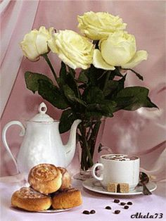 Good morning Coffee Time with Cake & Roses. Coffee Gif, Coffee Images, Coffee Love, Best Coffee, Coffee Quotes, Good Morning Coffee, Good Morning Gif, Good Morning Flowers, Mini Desserts