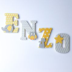 Lettres en bois et tissu imprimé pour le prénom de l'enfant modèle Jaune et Gris : Chambre d'enfant, de bébé par ideecreation