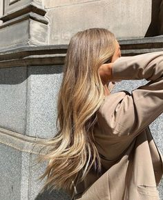 Hair Beauty, Beauty Makeup, Hair Makeup, Hair Inspo, Hair Inspiration, Hair Color Caramel, Corte Y Color, Pretty Hairstyles, Messy Hairstyles
