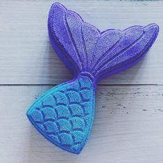 Pretty mermaid tail bathbomb in Sapphire Blue and Amethyst