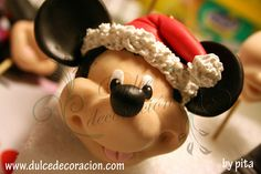 mickey mouse merry christmas!!! by Dulce decoración (modelado - tartas decoradas), via Flickr