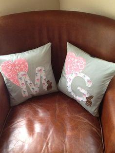 Set of initial pillow Em Teacup style