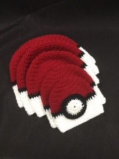 We are happy to bring you the part of our Pokemon Go free patterns! Trainer hats for your whole family! Crochet Adult Hat, Crochet Kids Hats, Crochet Cap, Crochet Beanie, Diy Crochet, Crochet Clothes, Crochet Ideas, Pokemon Crochet Pattern, Crochet Patterns