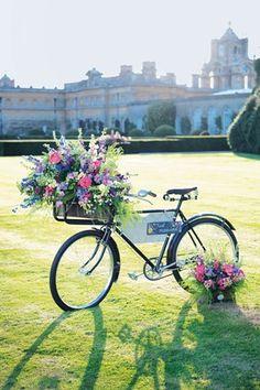Summer Bike Floral Wedding Display Idea (BridesMagazine.co.uk)