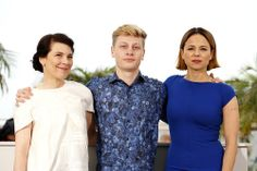 """Xavier Dolan, Suzanne Clément, Anne Dorval and Antoine-Olivier Pilon at the """"Mommy"""" photocall during the 67th Annual Cannes Film Festival on May 22nd"""