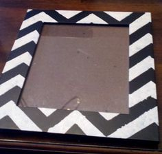 DIY chevron picture frame   Thriftspirations