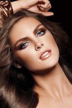 Gold/Bronze makeup