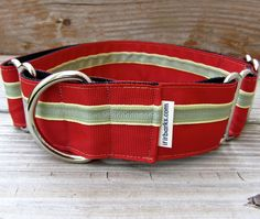 Beautiful pop of red for the holidays! Poppy Dog Collar | If It Barks