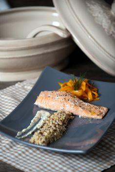 Saumon en papillote, mélange boulgour et quinoa tagliatelles de carottes, sauce aneth.
