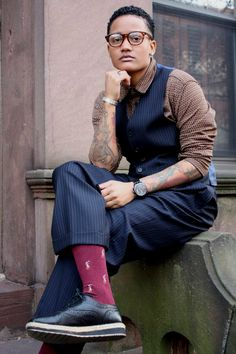 Love the details and patterns. Comes together well in this outfit. Queer style…