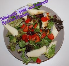 salad with pear and walnuts