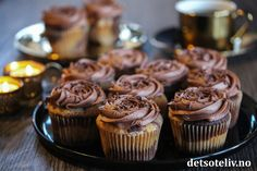 Mini Cupcakes, Granola, Muffins, Food And Drink, Sweets, Baking, Breakfast, Desserts, Recipes