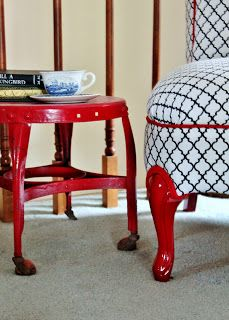 Confessions of a DIY-aholic: Fat bottomed girls... a slipper chair redo.