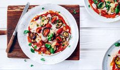 Spaghetti bolognese - Ania Starmach Spaghetti Bolognese, Bruschetta, Mozzarella, Pasta Salad, Risotto, Curry, Snacks, Ethnic Recipes, Food