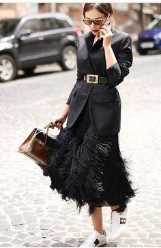 work handbag tote / street style fashion week - Source by NewWorkOutfits Fashion Mode, Look Fashion, New Fashion, Street Fashion, Autumn Fashion, Womens Fashion, Fashion Trends, Luxury Fashion, Trendy Fashion