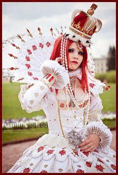 Is that you Alice? Alice in Wonderland. Queen of Hearts <3
