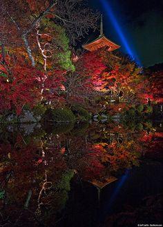 Kiyomizu-dera, Kyoto, Japan      Kumi Ito via Kumi Ito onto Everyone`s Creative Travel SpotThis is a group board.