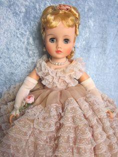 "Vintage 1964 Madame Alexander Elise ""Going to Prom"" ~ Blonde"
