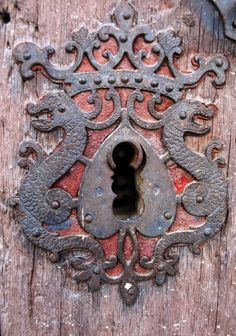 ♅ Detailed Doors to Drool Over ♅  art photographs of door knockers, hardware & portals - ornate old keyhole
