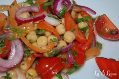 Salata de naut cu legume Garbanzo Salad, A Food, Food And Drink, Tasty, Yummy Food, Delicious Recipes, Onion Relish, Pickled Onions, Pastry Cake