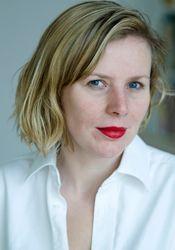 Ester Gerritsen is de schrijver van het boek. Ze werd gelijk gelijk gezien als een van de grootste jonge literaire talenten, ze heeft veel andere boeken geschreven zoals : Tussen een persoon, Normale dagen en De Kleine miezerige god.
