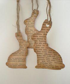 Mit altem Zeitungspapier oder alten Büchern basteln. Kreative Osterhasen aus Altpapier