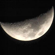 provocative-planet-pics-please.tumblr.com La luna de hoy sobra dedicarla a mi novia ella sabe que es para ella. Te amo Mei. Foto tomada por Javier inocente Velasco mendoza. @mexicoturismo @mexico_maravilloso @igersmexico @mexicocitylive @descubriendoigers @sens_df @belocal_e @astralshot #parameidevelasco #feelings #moon #luna #mexicolors #planets #nature #naturaleza #fotografia #otrodíaatulado #mexico2015 #vagando #night #sky #tenemosalgoencomun #landscape #arte #messico #mexico_maravilloso…