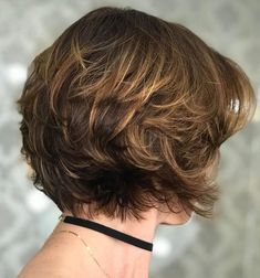 Nape-Length Feathered Haircut With Subtle Highlights Short Layered Haircuts, Short Hairstyles For Thick Hair, Haircut For Thick Hair, Short Hair With Layers, Short Hair Cuts For Women, Short Cuts, Pixie Haircuts, Short Haircuts Women, Thick Short Hair