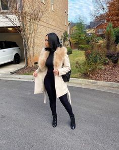 Winter Fashion Outfits, Fall Winter Outfits, Autumn Winter Fashion, Thanksgiving Outfit, Happy Thanksgiving, Black Girl Fashion, Look Fashion, Classy Outfits, Stylish Outfits