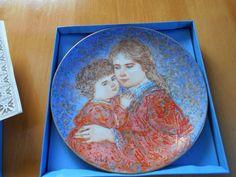 Vintage 1985 Edna Hibel Mother's Day Plate Mint 22K Highlights Plate** REDUCED**