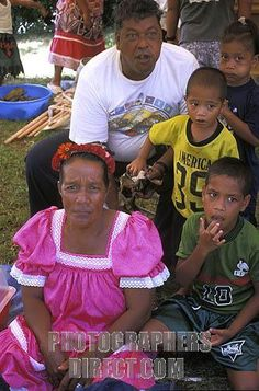 Micronesia's People : This is a family that lives in this country.