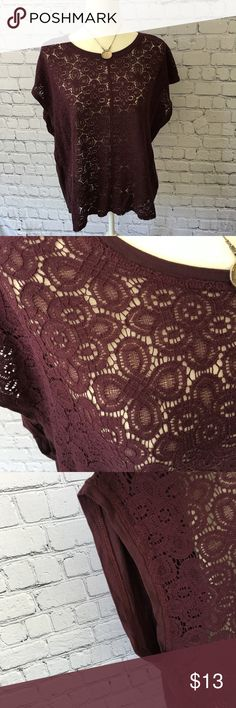"""Woman's Lace front solid back top Lace style front solid back size XL. Plum colored. Excellent condition.  Pit to pit 24"""" shoulder to bottom of top 25"""". Bin #8 Old Navy Tops"""