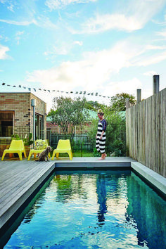 41 Simple And Simple Pool For Your Home - When it comes to luxury purchases for your garden then the two at the top of your list must be a swimming pool and/or a hot tub. Hot tubs are fantasti. Australian Home Decor, Australian Homes, Small Backyard Pools, Pool Decks, Small Pools, Outdoor Areas, Outdoor Pool, Simple Pool, Modern Pools