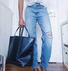Wanted : le sac noir à oeillets Vanessa Bruno >>