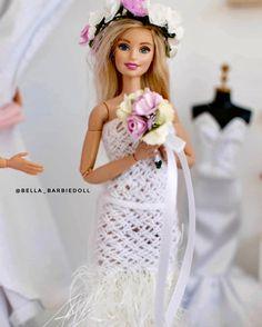 Dress Up Dolls, Barbie Dress, Barbie Wedding Dress, Wedding Dresses, Juste Zoe, Dolls House Shop, Barbie Fashionista Dolls, Painted Denim Jacket, Barbie Life