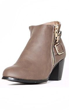 Styles For Less women's Chic Hardware Ankle Boots - Taupe, 9 M US Styles For Less http://www.amazon.com/dp/B0160KJGXA/ref=cm_sw_r_pi_dp_22ytwb03VV9TQ