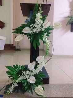 # Casamento de Flores # Pilar - Blumen E - E. Easter Flower Arrangements, Tropical Floral Arrangements, Funeral Flower Arrangements, Ikebana Flower Arrangement, Flower Vases, Altar Flowers, Church Flowers, Funeral Flowers, Wedding Flowers