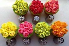 US Seller 7 XXL Pieces Russian European Piping Nozzle Tulip Rose Flower Icing Tips Cake Decorating Set Cake Decorating Supplies, Cake Decorating Techniques, Cookie Decorating, Russian Icing Tips, Russian Cakes, Buttercream Flowers, Buttercream Cake, Icing Flowers, Fondant Flowers
