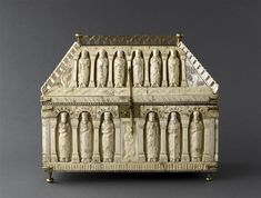 Châsse de l'abbaye de Saint-Yved Vers 1200   TECHNIC/MATERIAL bone (material) , bronze , carved , gilded DIMENSIONS Height: 0.31 m Length: 0.37 m