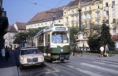 Am Eisernen Tor, (Platz hieß früher Bismarckplatz) mit Blick Richtung Herrengasse, Graz, 17. Oktober 1978 Graz Austria, Sweet Home, Street View, Vintage, Old Pictures, Dirndl, Bayern, House Beautiful