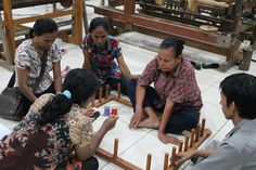 """Salah satu pelatihan di BBKB pada bulan Juni ini: """"Pelatihan Tenun Ikat""""  Kerjasama Dinas Perindustrian dan Perdagangan Kabupaten Maluku Barat Daya dengan Balai Besar Kerajinan dan Batik"""