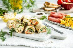 Lefserull med kremet lakserøre Fresh Rolls, Appetizers, Ethnic Recipes, Food, Appetizer, Essen, Meals, Entrees, Yemek