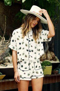 conjuntinho Vogue Fashion, Boho Fashion, Fashion Looks, Fashion Outfits, Fashion Trends, Fashion Design, Stylish Work Outfits, Casual Outfits, Cute Outfits