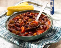 ... Chili Bacon, Lb Bacon, Bean Recipes, Recipes Easy, Chili Recipes
