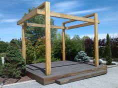 Estructura en madera laminada y tarima tropical