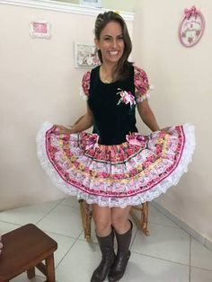 vestido de adulto festa junina - Pesquisa Google Illustrations And Posters, Marie, Ideias Fashion, Summer Dresses, Cute, Stuff To Buy, Redneck Party, Ethnic Dress, Couture