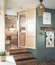 Tiny House Living, Rv Living, Trailer Decor, Cabin Trailer, Rv Homes, Bus House, Rv Interior, Camper Makeover, Remodeled Campers