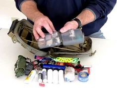 Maxpedition FR-1 Pouch First Aid / Survival Kit Part 2